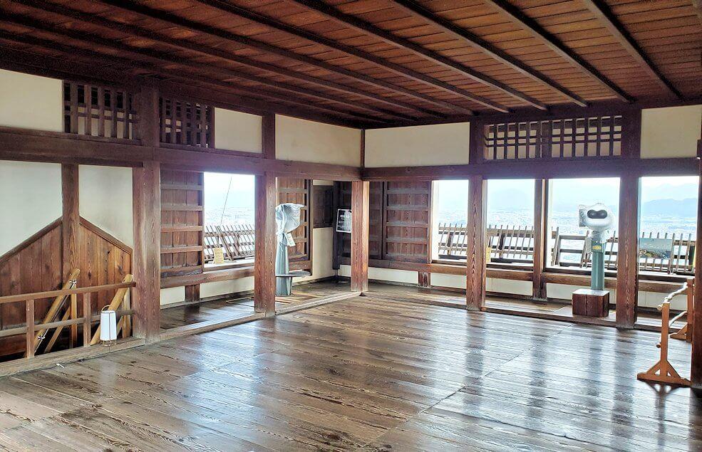 松山城の天守閣フロア2