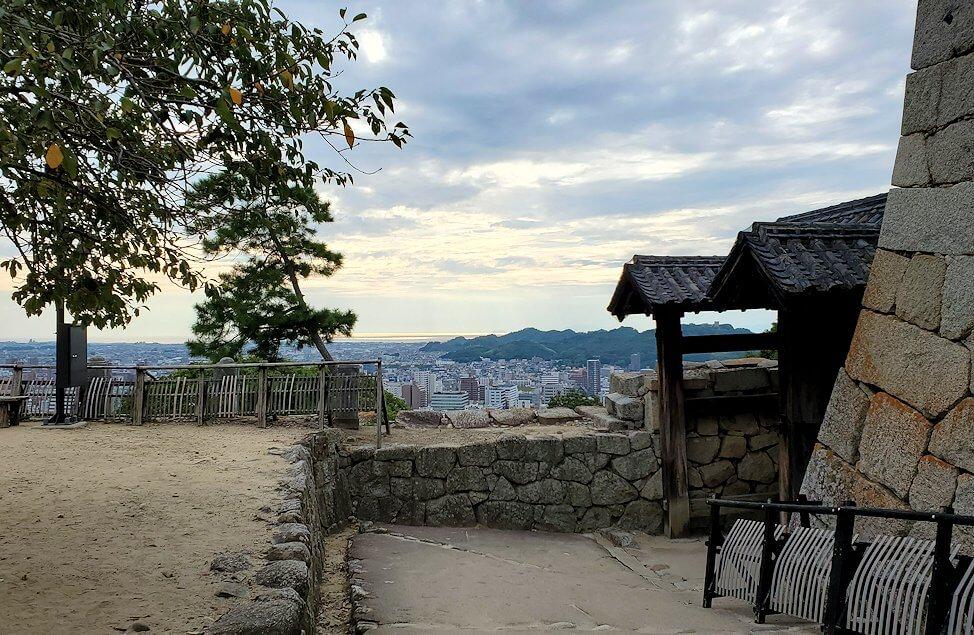 松山城「紫竹門」周辺