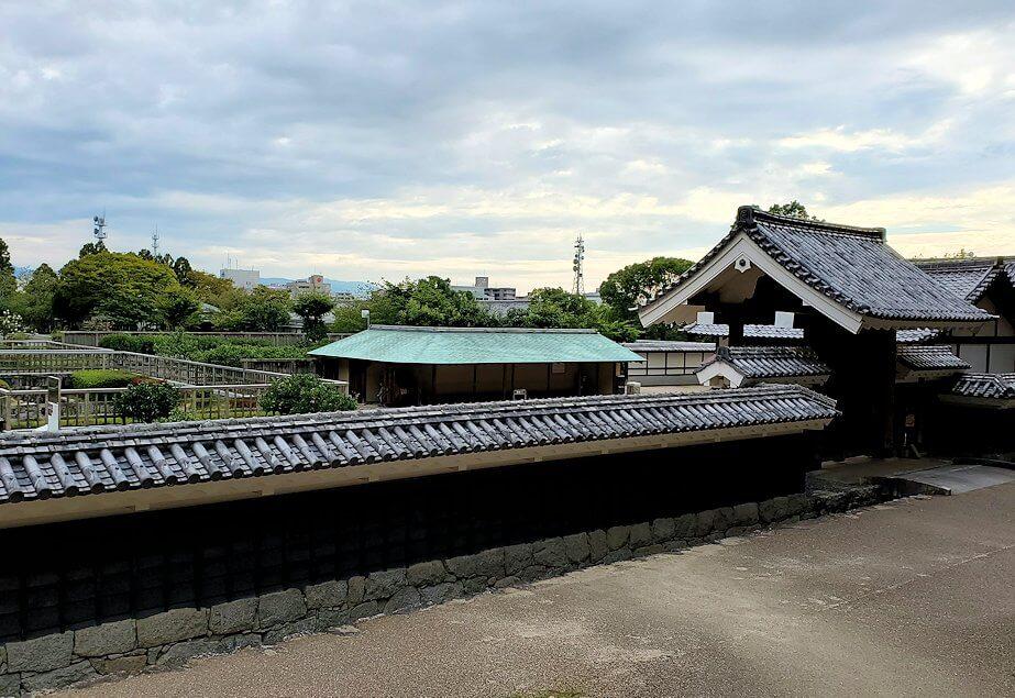 松山城「黒門口登城道ルート」を下ると見えてきた二の丸跡1