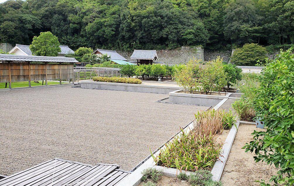「二之丸史跡庭園」内の景色