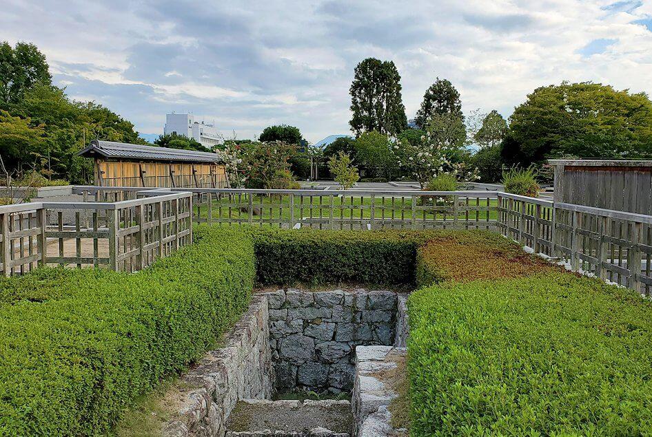 二之丸史跡庭園にある井戸跡
