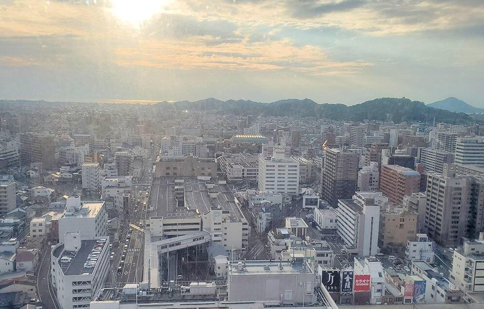 松山市の「大観覧車くるりん」から眺める松山市内の景色2