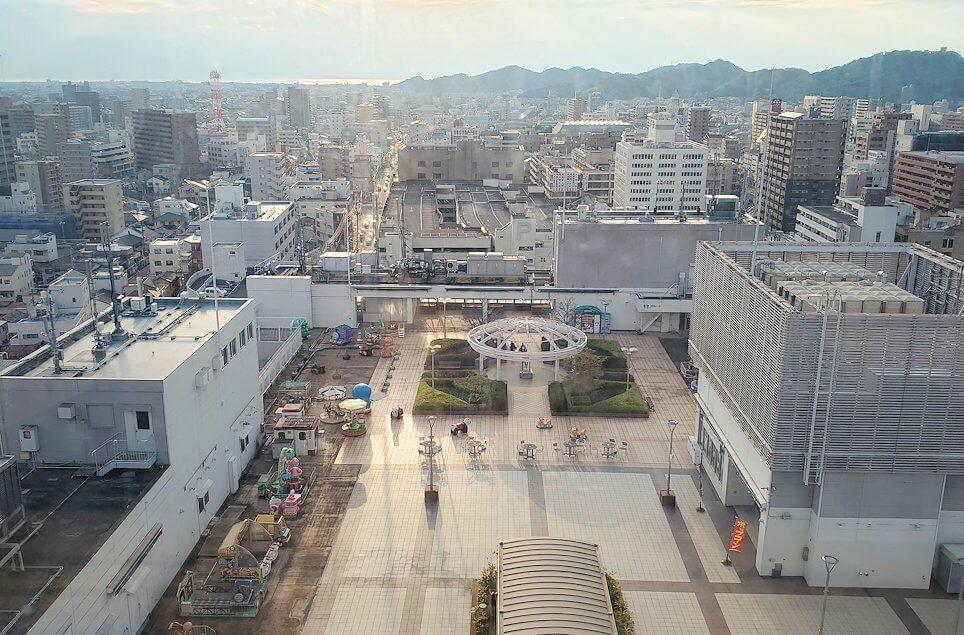 松山市の「大観覧車くるりん」から眺める松山市内の景色6