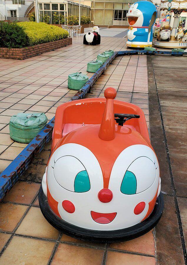 松山市の高島屋の屋上もあったゴーカート乗り場のドキンちゃんンカー