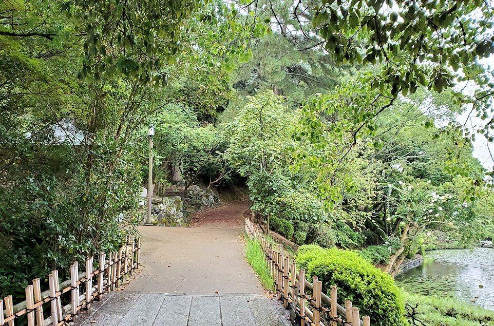 道後温泉街近くにある湯築城跡を散歩1