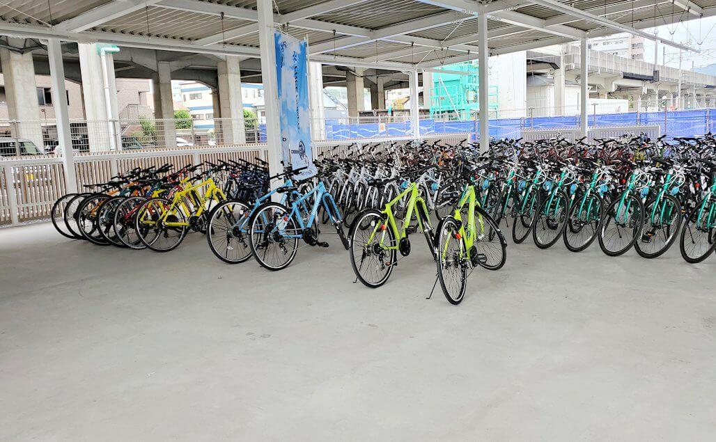 今治駅前のレンタサイクル屋の自転車置き場