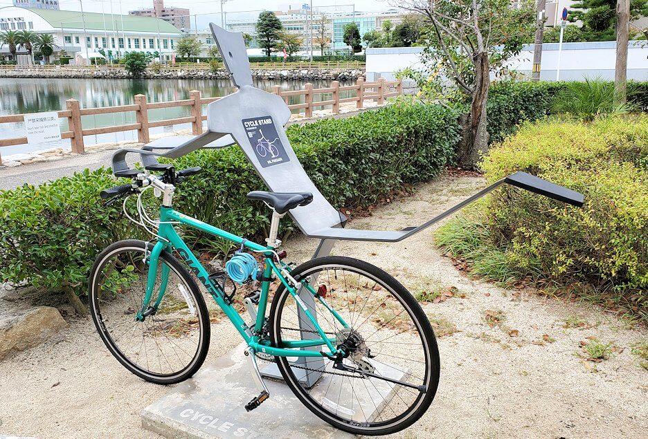 今治城に停めた自転車