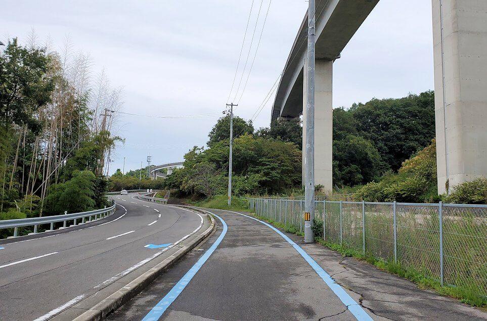 しまなみ海道で来島大橋の入口に入る3